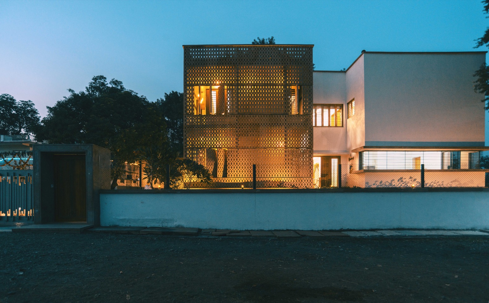 A modern home in India stays naturally cool without AC