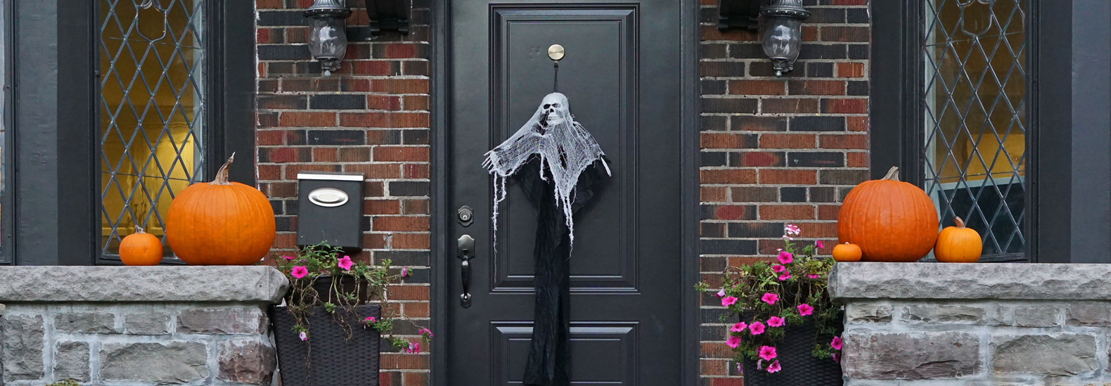 10 Sustainable Halloween Decorations For Your Green Home
