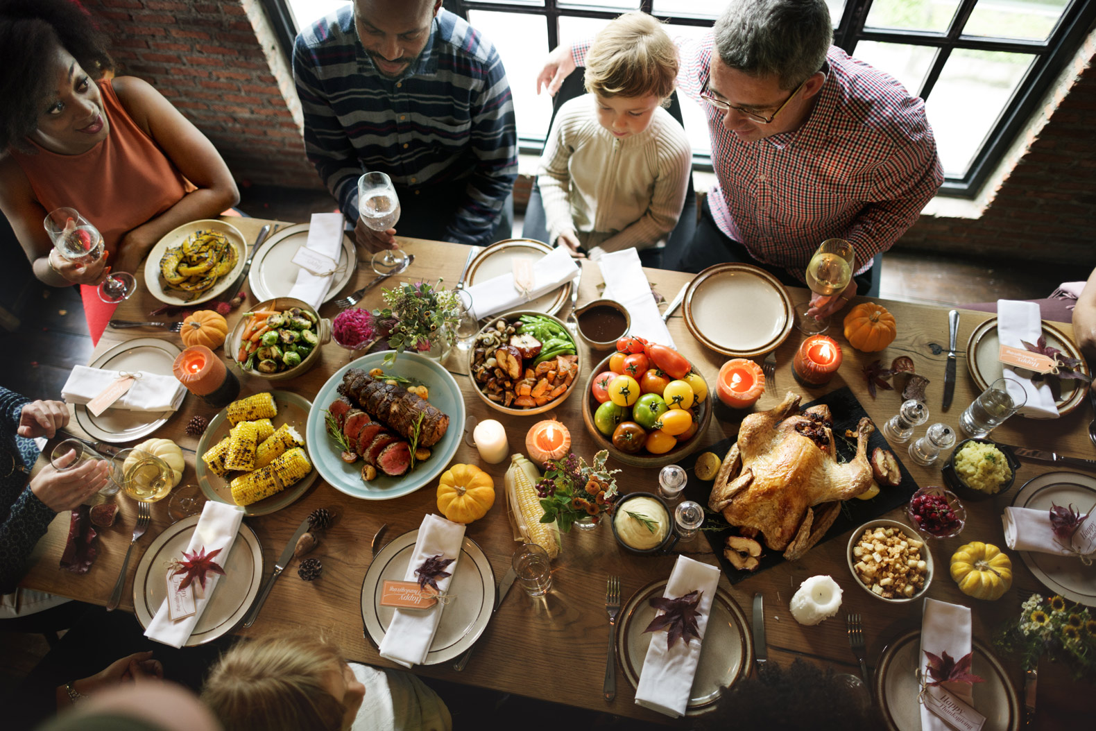 How to host Thanksgiving dinner in a tiny home or small apartment