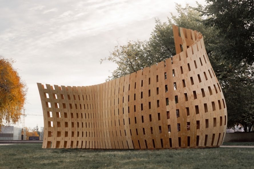 curving wood structure