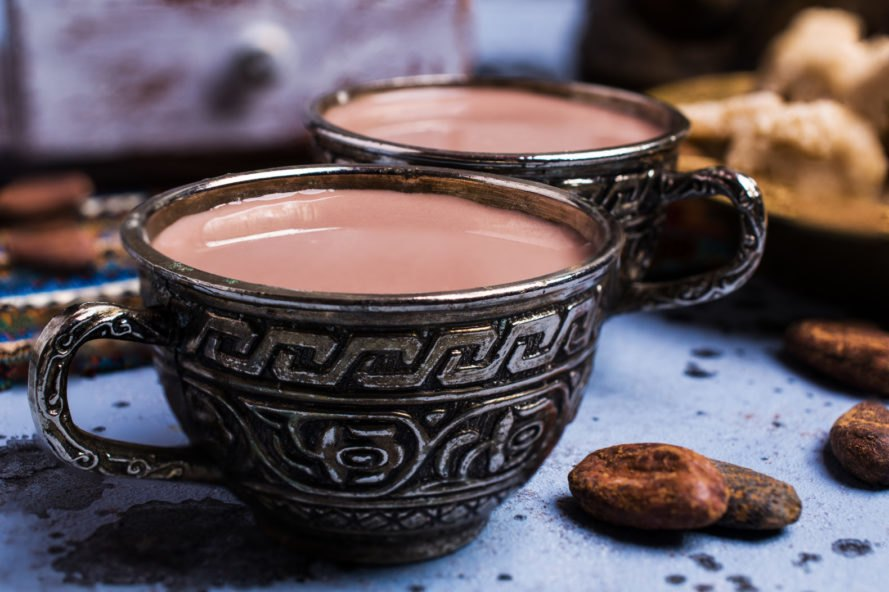 vegan hot cocoa in gray mugs