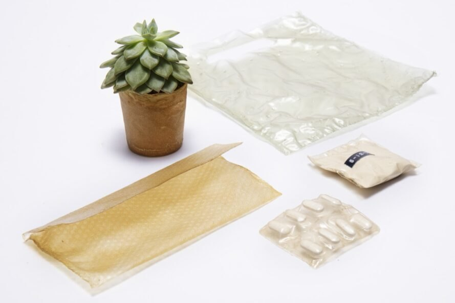 bioplastic packaging for plants and medicine