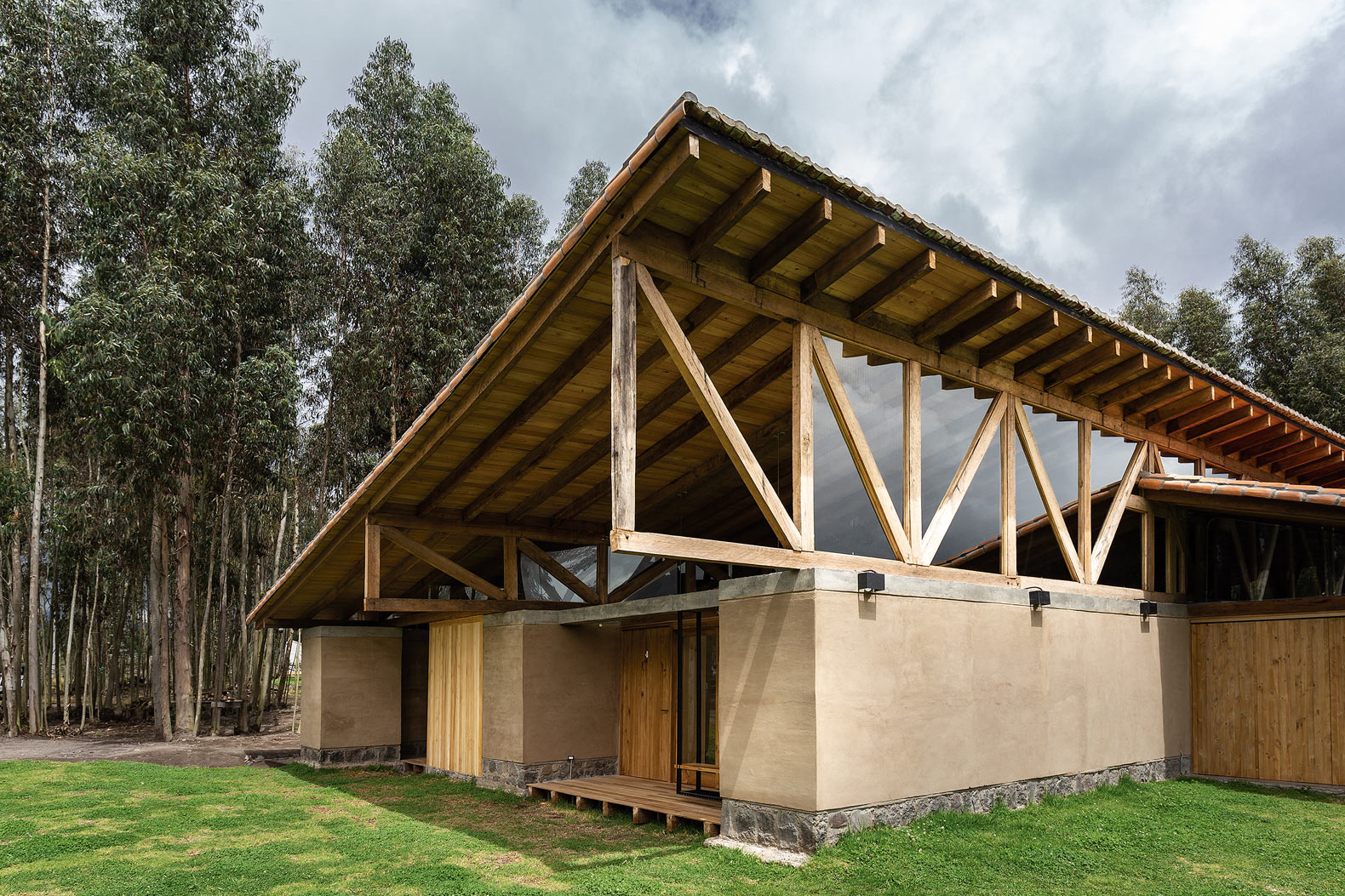 This Ecuadorian home uses the natural elements of rammed earth as a foundation
