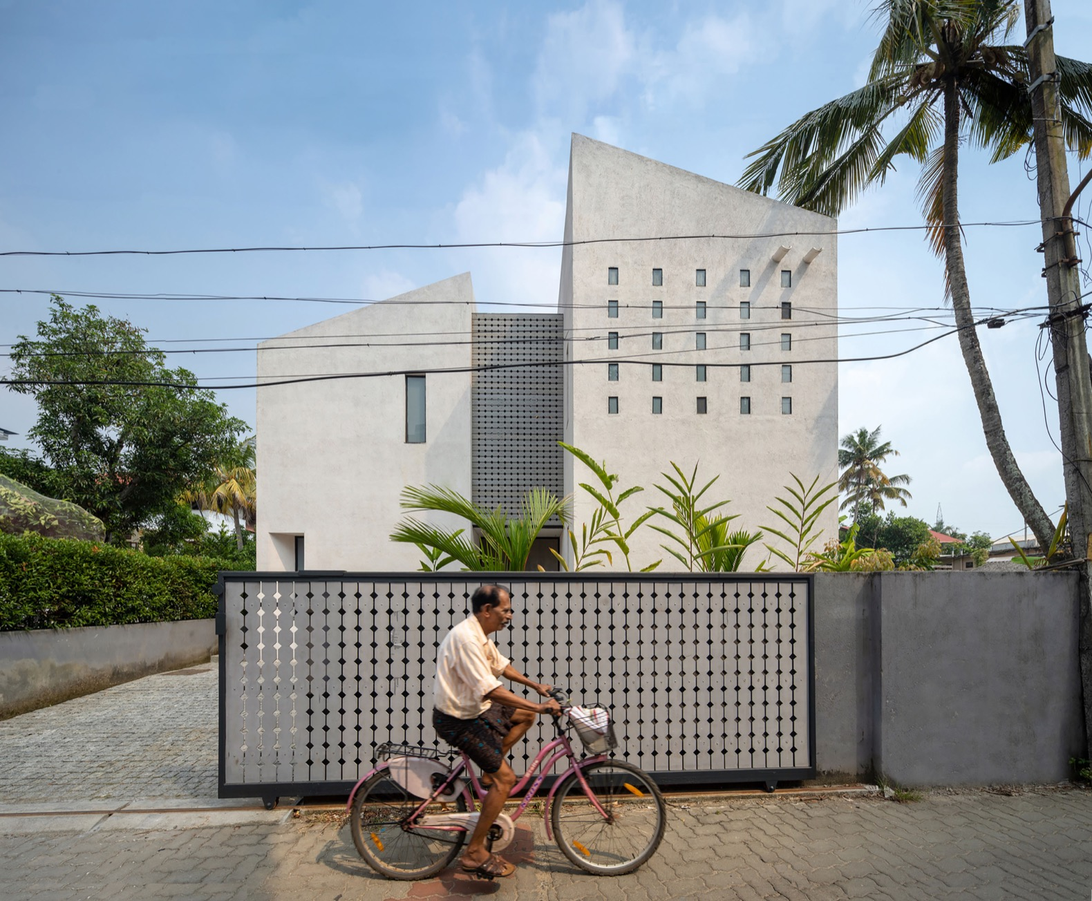 Solar-powered home stays naturally cool in Kerala's tropical heat