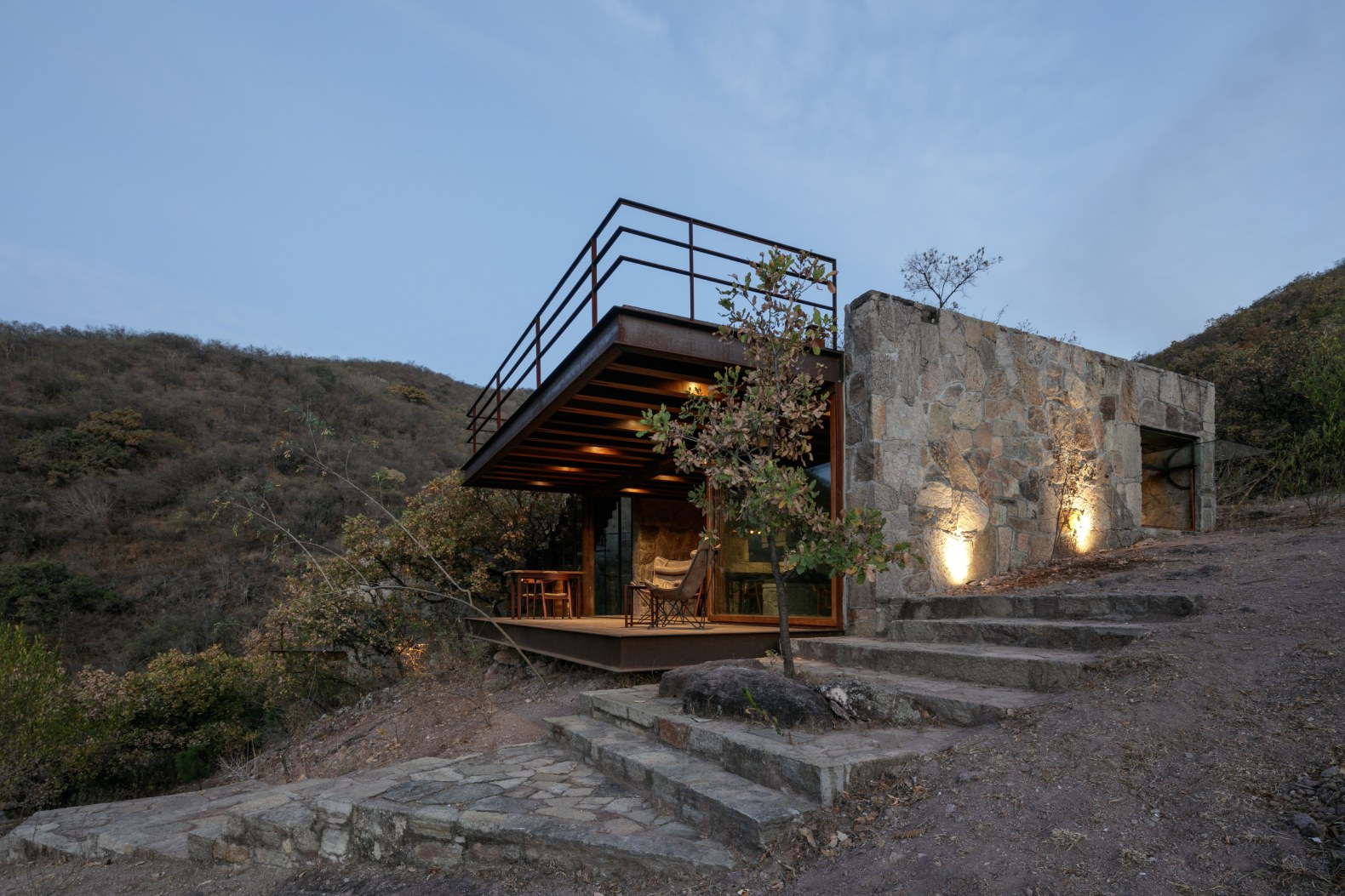 This cabin offers outstanding views of Oaxaca from a massive, cantilevering terrace