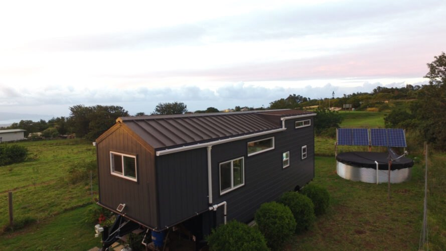 This Diy Tiny Home Allows A Family Of 3 To Go Off Grid In Maui