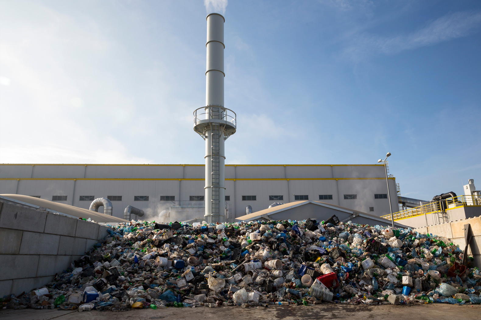 Are bioenergy facilities the solution to the growing garbage problem?