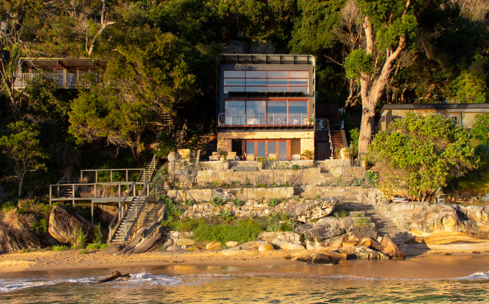 Stunning 'beach shack' on remote Australian beach is 100% self-sufficient