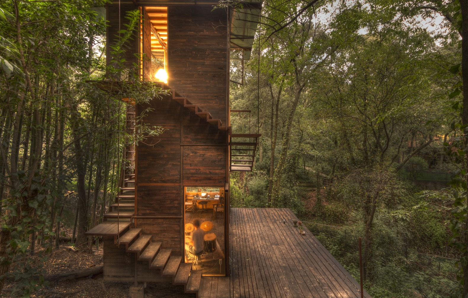 Floating treehouse inside Mexican forest is a dreamy escape from city noise