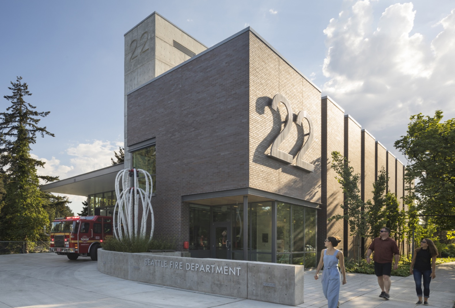 LEED Platinum fire station is powered with solar energy in Seattle