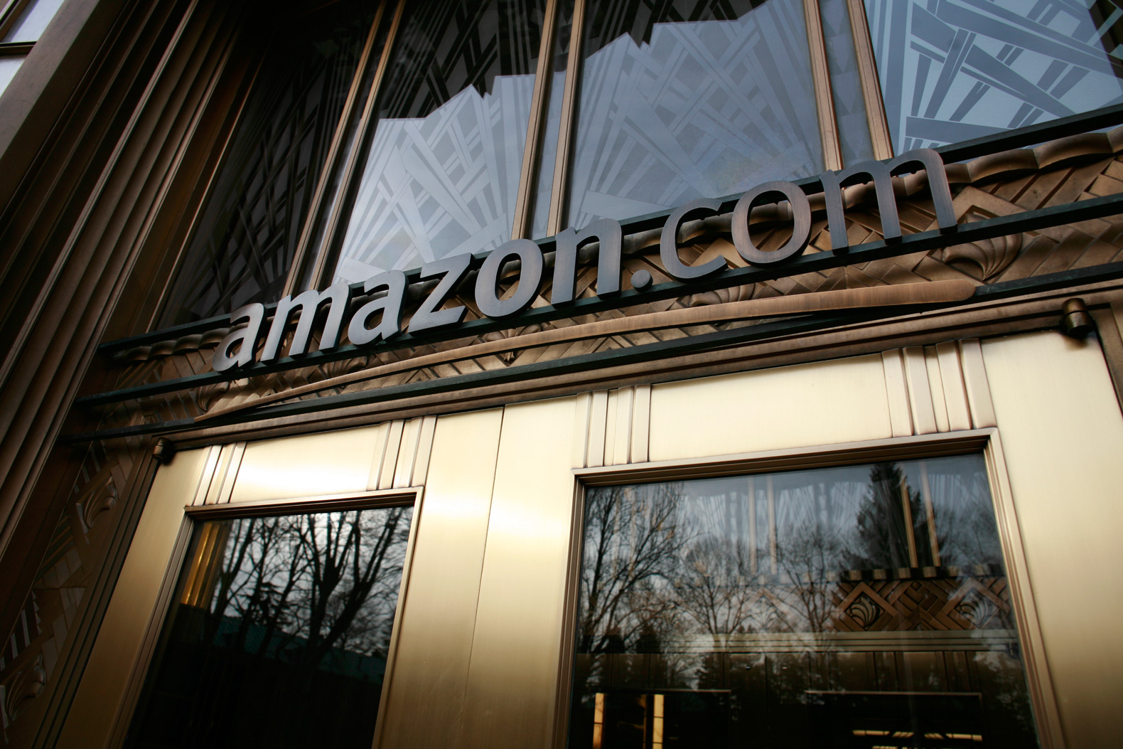 Over 6,000 employees demand Amazon take climate change seriously