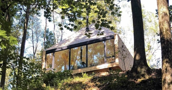This off-grid retreat in Ohio was inspired by a treehouse