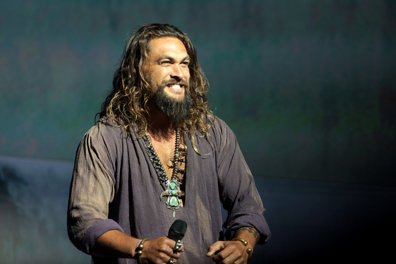 Jason Momoa shaves beard to shine a spotlight on plastic pollution