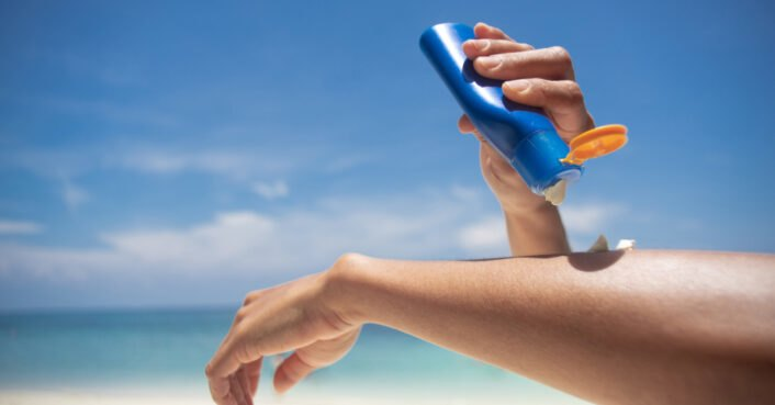 Not sure how to identify reef-safe sunscreen this summer? Here's what eco-friendly ingredients to look for