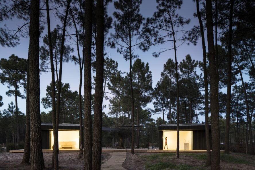 Solar-powered prefab cabins keep naturally cool in Portugal