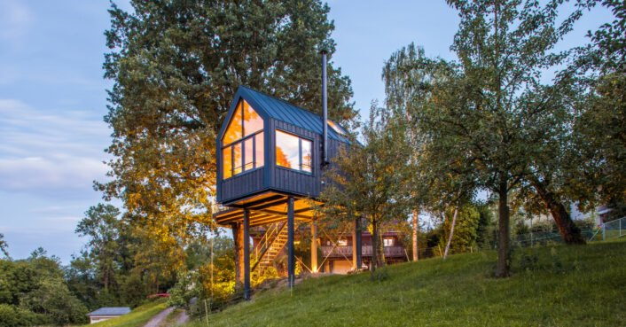 This prefab treehouse can be assembled in merely a few days