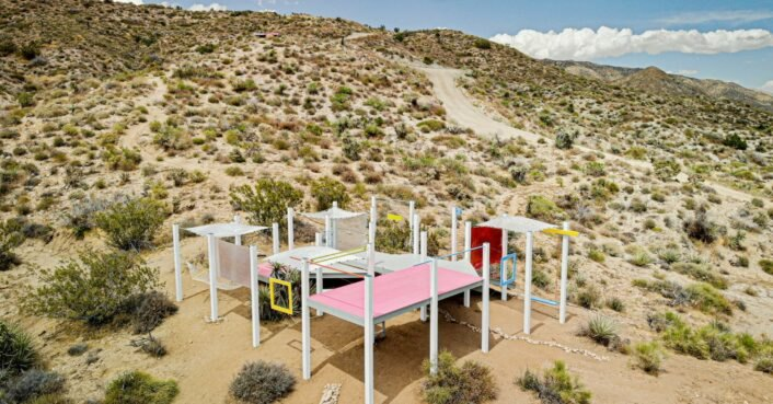 Experimental design-build festival takes over Californian desert
