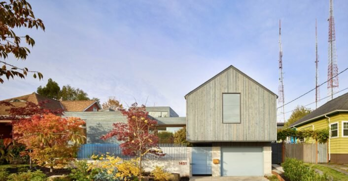 Breezy home design for artist couple boasts a green roof of