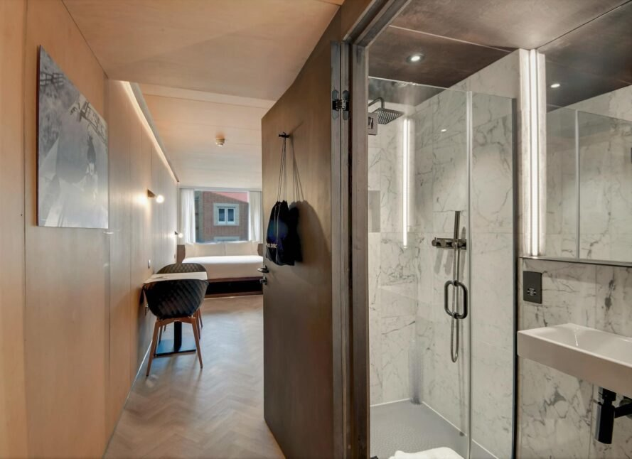 compact shower stall