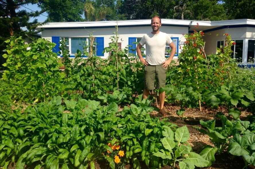 Interview: Activist lives off food that he grows and forages for an