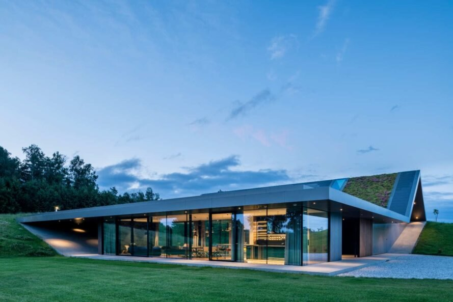 elongated home with glazed walls