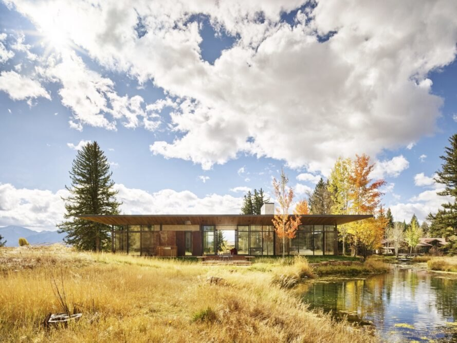 Carney Logan Burke thoughtfully inserts a modernist jewel in Jackson Hole