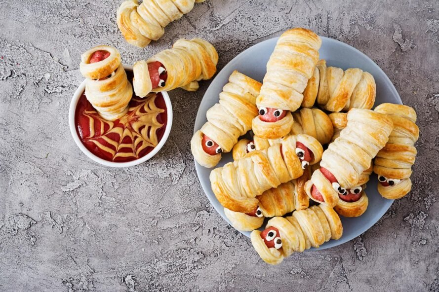 hot dogs wrapped in dough to look like mummies