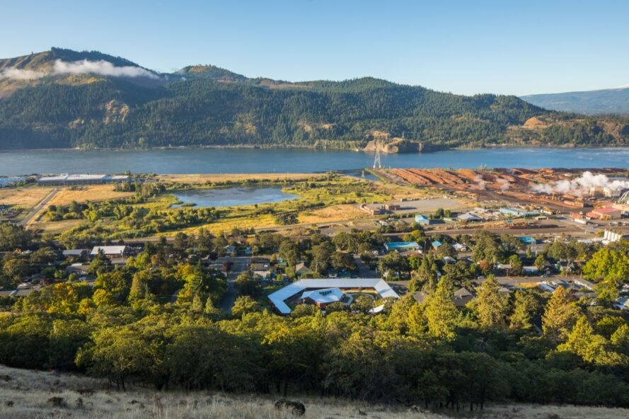 aerial view of hotel and cabins in Columbia River Gorge area
