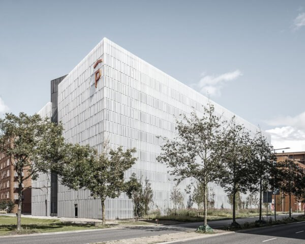 Parking House G2 by Sangberg 4