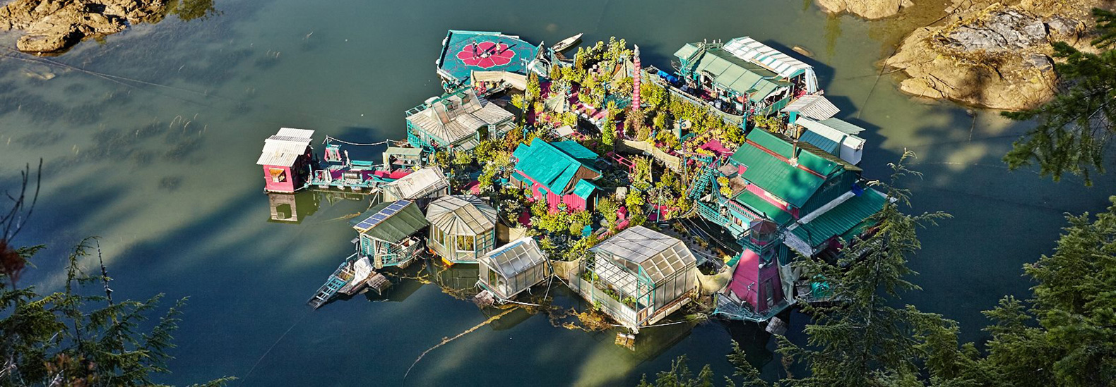 Freedom Cove: an off-grid floating homestead at one with nature