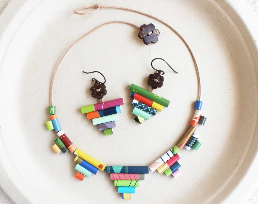 Colorful necklaces and earrings made of recycled paper