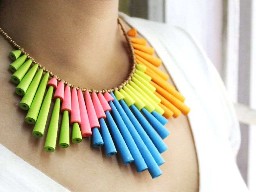 Green, blue, yellow, orange and pink personality necklace