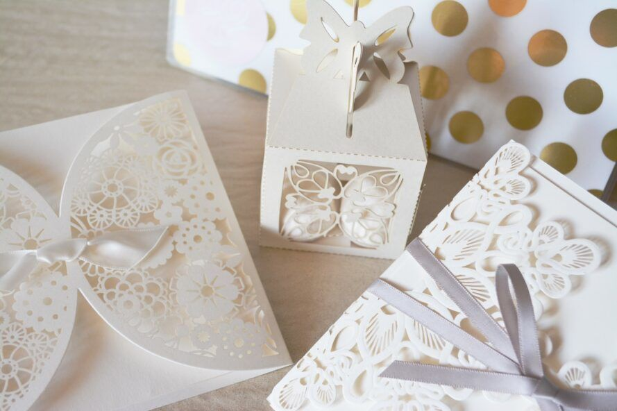 White paper boxes in varying sizes