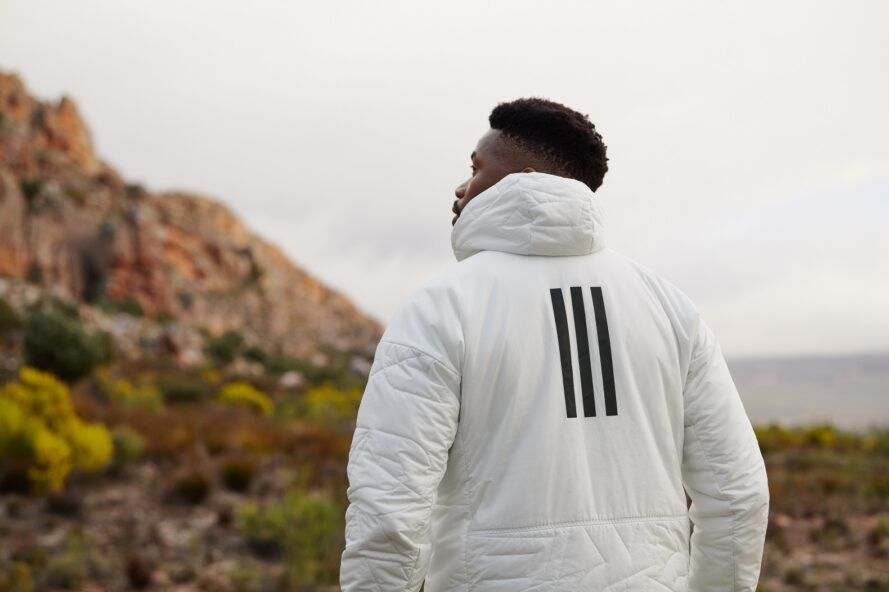 The back of the puff jacket