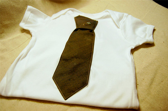 a22a9210316 Organic Onesies + Vintage Ties   Hipster Baby!