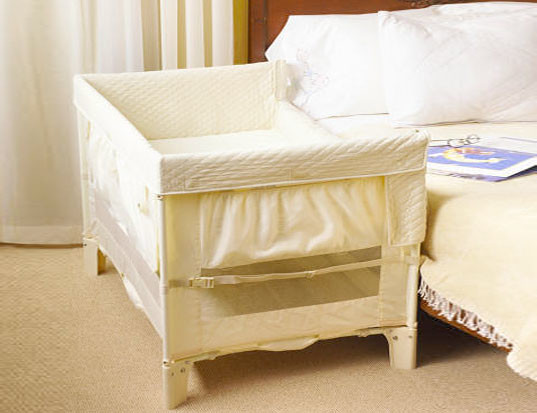 Safe Co Sleeping With The Arm S Reach Co Sleeper Inhabitots