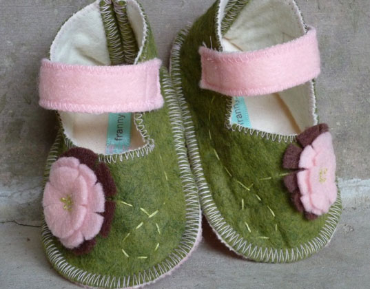 baby shoes, toddler shoes, green shoes, eco-friendly shoes, eco baby, handmade baby shoes, isabooties, toms baby shoes, toms shoes, franny & June shoes, lala shoes, diddle dumpling shoes, sweet baby shoes, inhabitots baby shoes, green design for kids