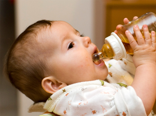 5 Eco Friendly Baby Bottles That Are Bpa Free Inhabitots