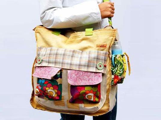 5 Stylish Green Diaper Bags For Eco Moms And Dads