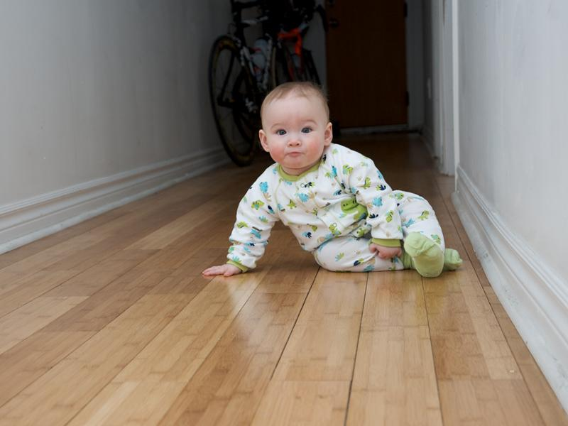 Vinyl Flooring Wallpaper Presents Major Health Threat For Children - Dangers of vinyl flooring