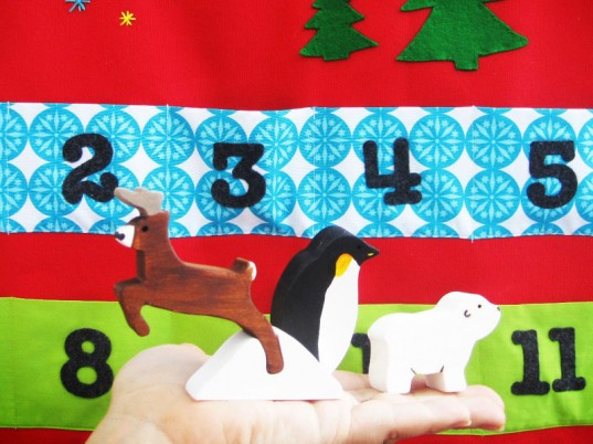 advent calendar, advent calendar for kids, green kids, eco kids, green handmade advent calendar, eco-friendly advent calendar, holiday ideas for green kids, green design for kids