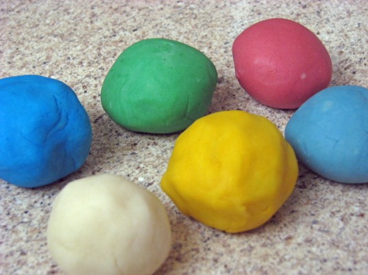 eco kids, eco baby, green kids, green baby, sustainable design for kids, green design, diy natural play dough, green activities for kids