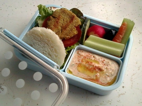 recipes, organic food, healthy food, how-to, healthy kids, healthy baby, green kids, green baby, cooking, baby feeding, hummus, BPA-free, kids lunches, bento box