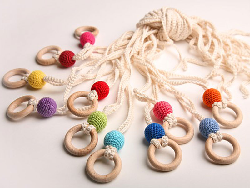 Wear a handmade teething necklace to soothe your baby for When can babies wear jewelry