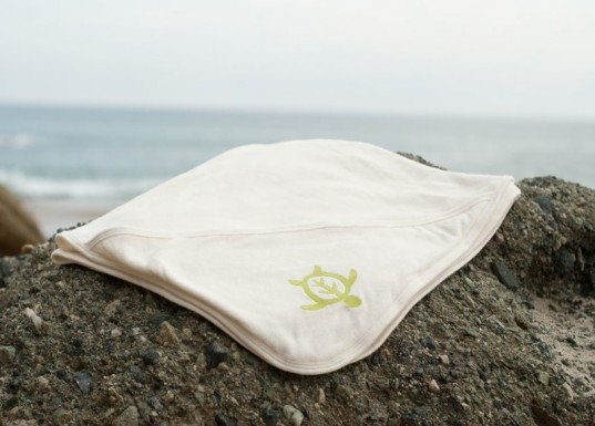 lil honu, organic cotton beach towel, eco-friendly beach accessories