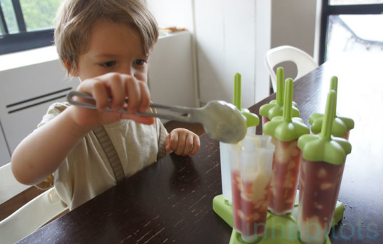 How to Make Your Own Healthy Popsicles At Home, Petey making popsicles, Tovolo popsicle molds, eco popsicles, green popsicles, homemade popsicles, organic popsicles, DIY popsicles