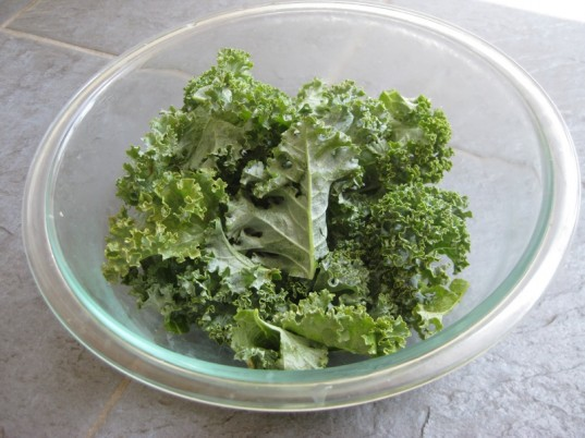 kale chips, healthy snack