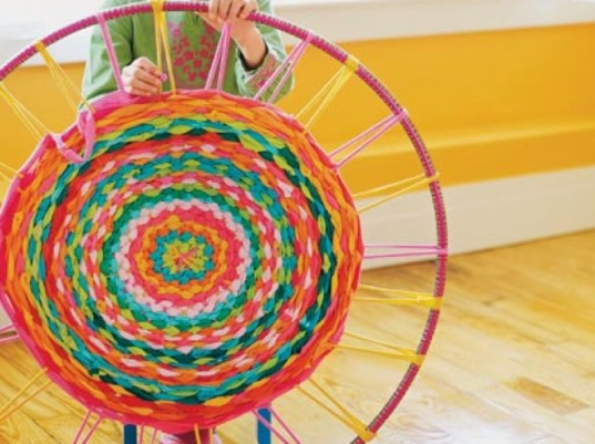 eco-friendly kids crafts, hula hoop rug, family fun