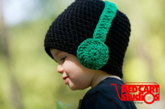 Black Beanie with Headphones, Cupc4ke, Etsy, hand made hats, hand knit hats, kids hats, green Halloween