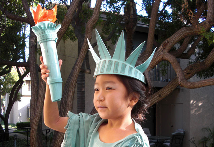 sc 1 st  Inhabitat & HOW TO: Make a DIY Statue of Liberty Halloween Costume | Inhabitots
